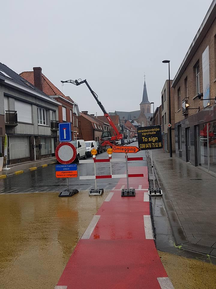 To Signverkoop werf en wegsignalisaties Gent